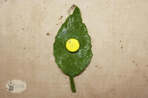 tammytutterow felt magnetic leaves 4