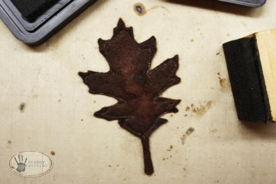 tammytutterow felt magnetic leaves 8
