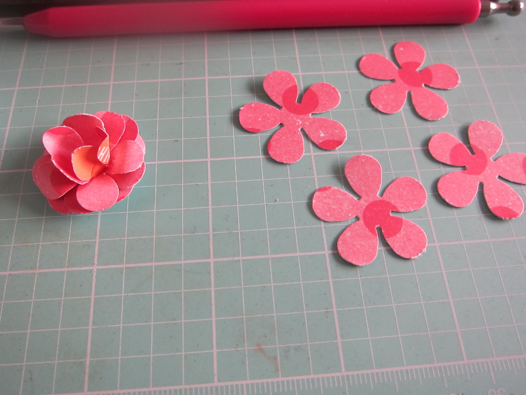 make beautiful pinterest petals with therm o web therm o web